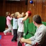 Odbijanje lopte od zid